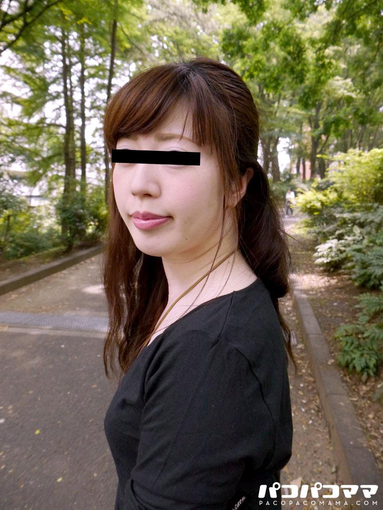 超ミニスカで誘うムチムチ熟女~市井亜矢花