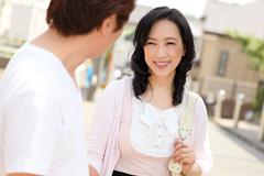 服部圭子 おばさんぽ 〜美熟女と地元を思い出散歩〜