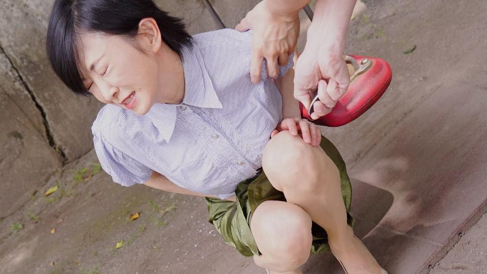 Pacopacomama 010121_001 Reira Sugiura 熟女の火遊び飛びっ子装着 〜リモバイに腰ガクガク〜