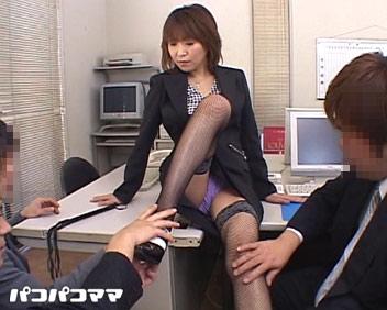 人妻パコパコママ熟女・美人社長 〜朝礼は精子でご挨拶〜・草凪純・73