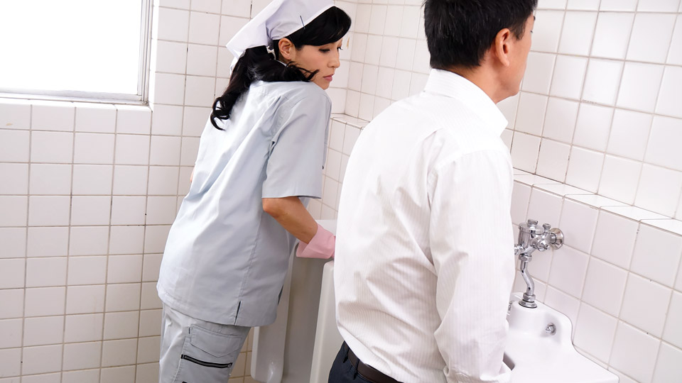 Pacopacomama 021019_031 Yuko Morishita A neat cleaning lady who gets in the toilet