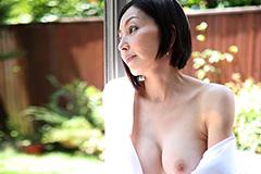 保坂友利子 五十路の美魔女のお着物セックス