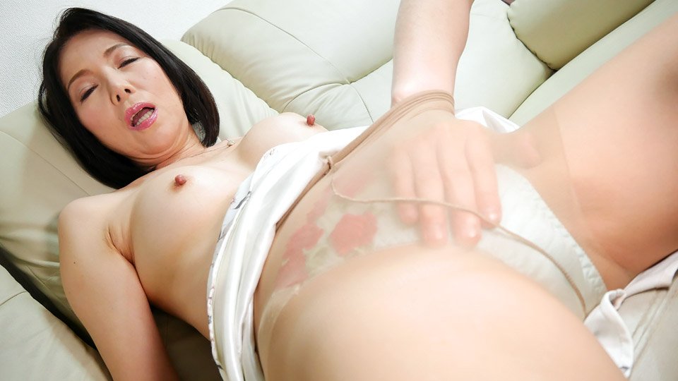Pacopacomama 042319_074 Ai Aoyama A woman is a match after menopause