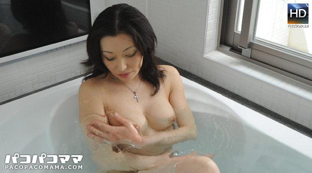 人妻パコパコママ熟女・美魔女と混浴生姦・保坂友利子・38450
