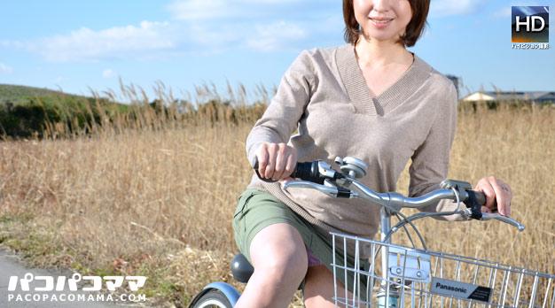 人妻パコパコママ熟女・ママチャリ 〜綺麗過ぎる四十路ママ〜・神埼久美・49457