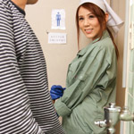 小泉真希 働く地方のお母さん 〜チンポも綺麗にしてくれる掃除婦〜