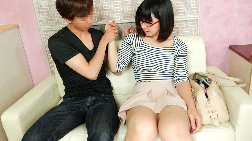 Pacopacomama 063020_323 Moe Sasaki Rental young wife looking good with glasses