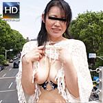 夏本番!激ヤバ衣装で街中を露出徘徊する人妻 第二弾