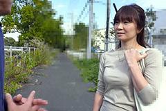 成宮麗子 奥さん、今はいてる下着を買い取らせて下さい!〜白いパンティにマンカス付けて〜