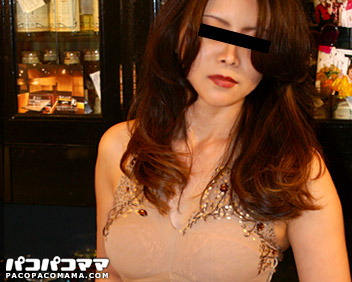 人妻パコパコママ熟女・大阪北新地の美人ママ 前編・姫野佐織・9711