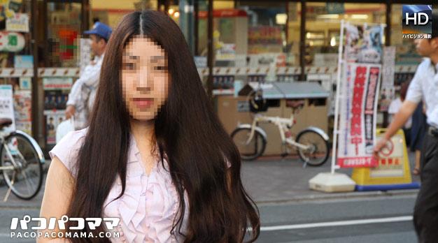 人妻パコパコママ熟女・スッピン熟女 〜素顔の巨乳美人〜・樋口亜美・24617